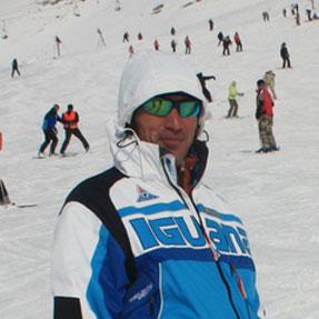 Ислам Ижаев, инструктор по горным лыжам