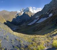 Вид с Чучхурского перевала в ущелье Бу-Ульген