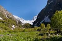 Поляна с развилкой перед Чучхурскими водопадами