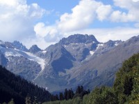 Алибекский перевал издали